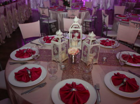 palace events white centerpiece